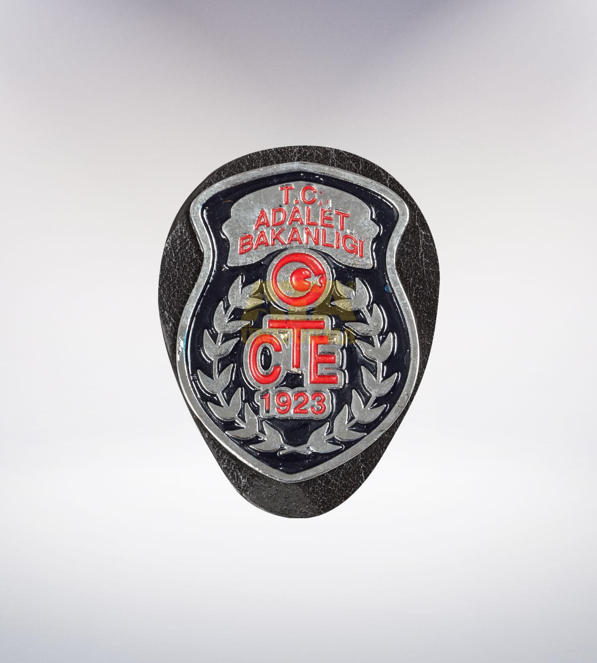 ATA-1088 Adalet Bakanlığı metal rozet - asker elbiseleri | asker  üniformaları | polis kıyafetleri
